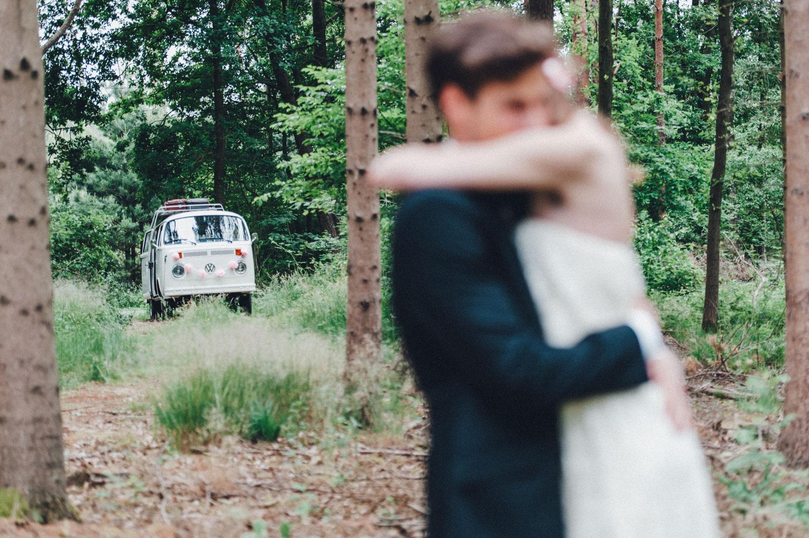 DIY-Hochzeit-gold-VW-Bully-82