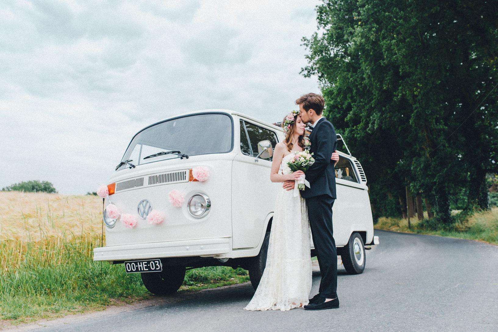 DIY-Hochzeit-gold-VW-Bully-101