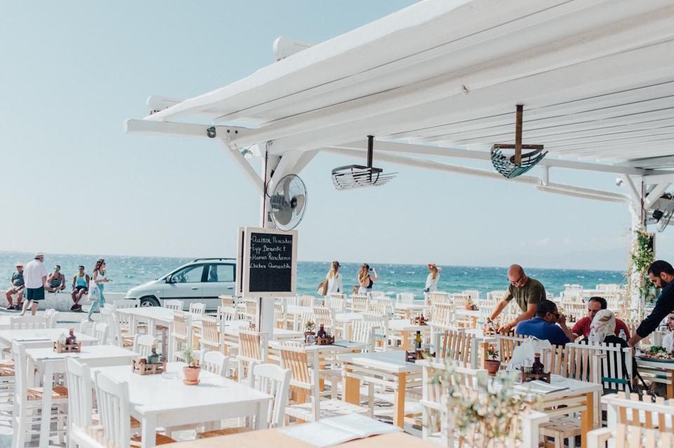 love-wins-beach-wedding-7