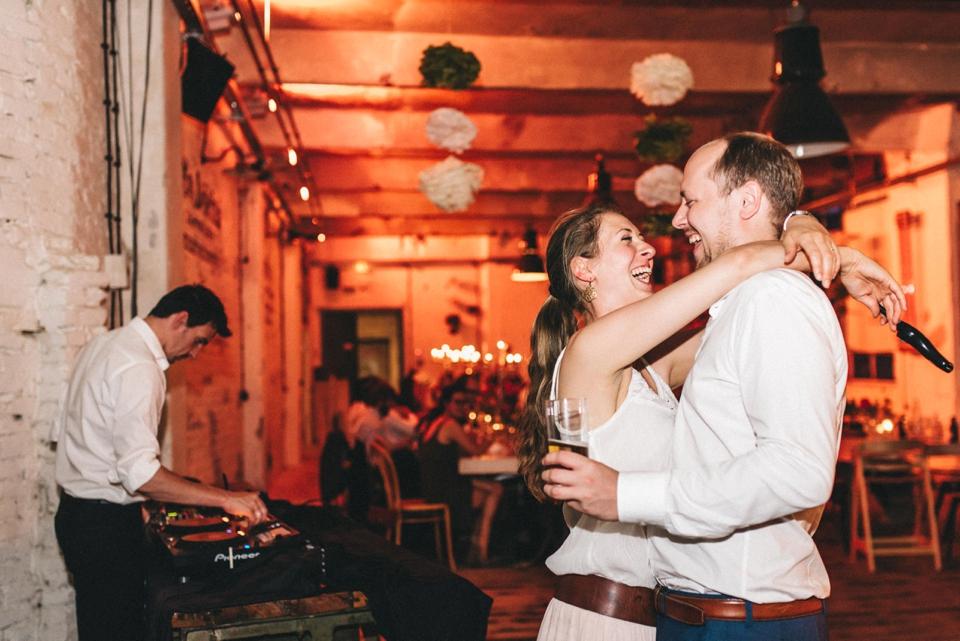 rembostyling-weddinginspiration-kreativ-wedding-wedding-belin-loft23_0400