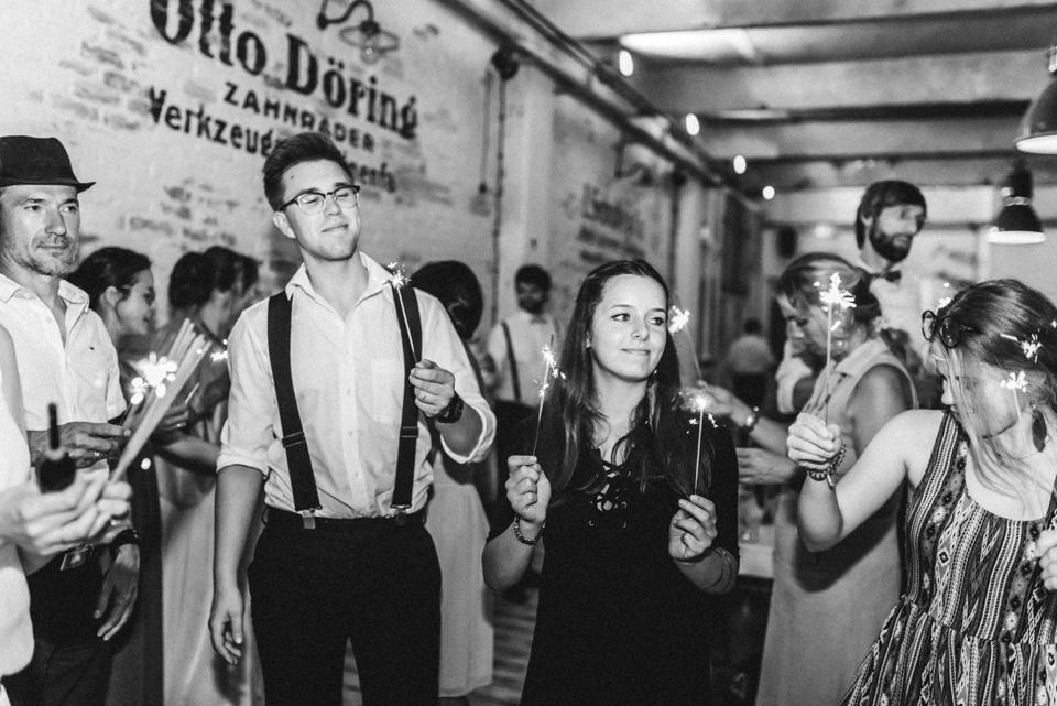 rembostyling-weddinginspiration-kreativ-wedding-wedding-belin-loft23_0401