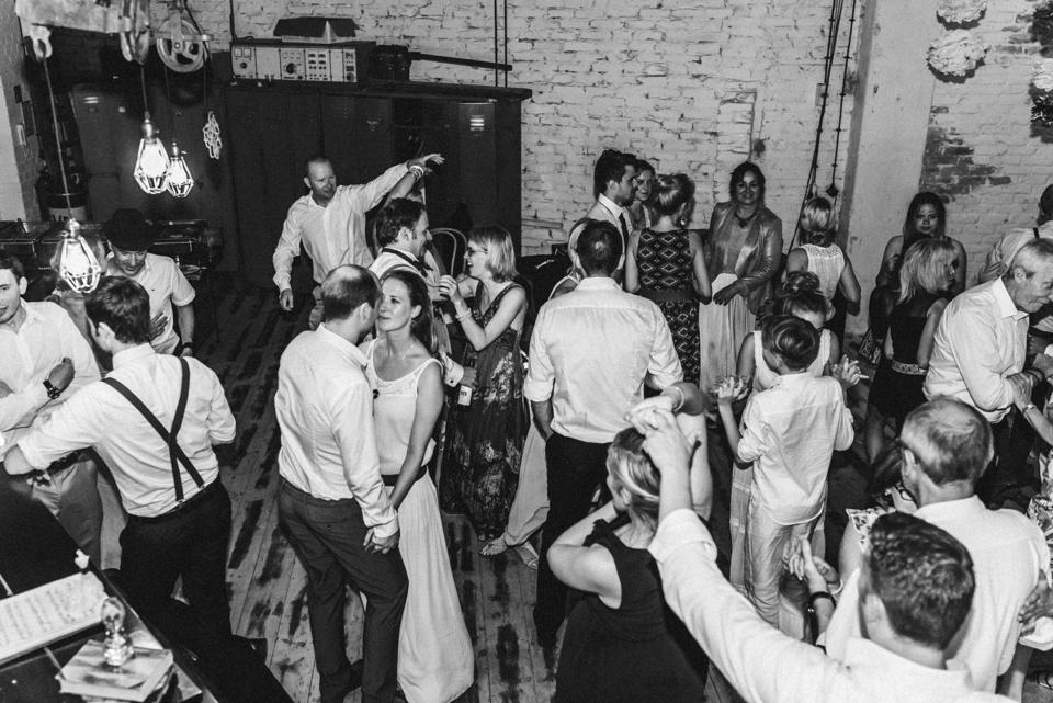 rembostyling-weddinginspiration-kreativ-wedding-wedding-belin-loft23_0407