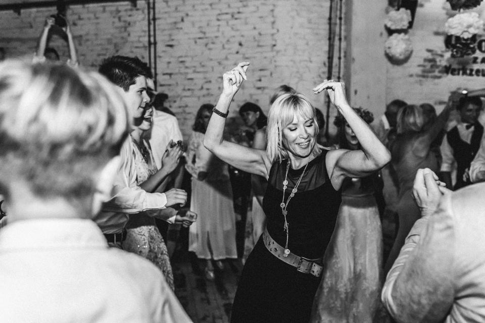 rembostyling-weddinginspiration-kreativ-wedding-wedding-belin-loft23_0410